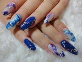 MINGLE nail
