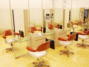 HAIR & MAKE Blossom 上尾店