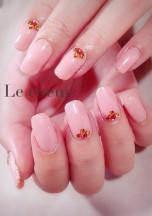 nail salon. LECOEUR