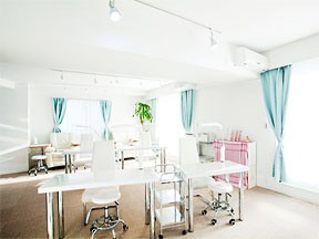 nail salon CLOVER